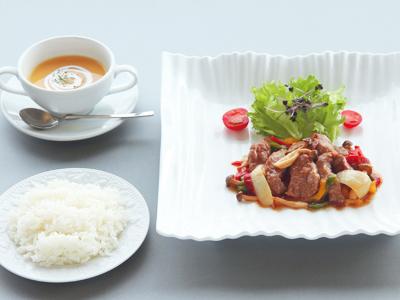 傘松ランチ(牛肉料理)